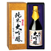 菊正宗 純米大吟醸 720ML瓶詰(化粧ケース入)